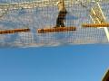 Passerelle entre les deux cages à grimper