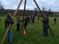 Participants construisant la tyrolienne