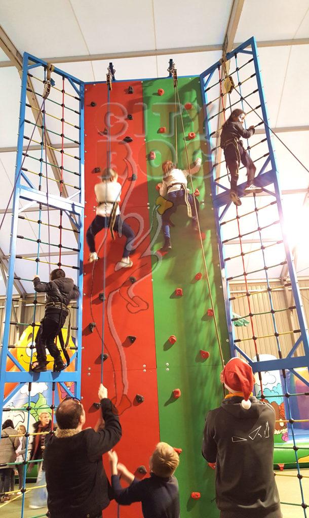 Tour CC avec 4 grimpeurs en format 6m de haut